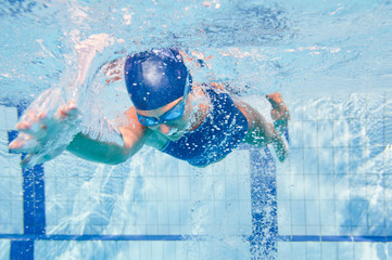 Front crawl swimmer