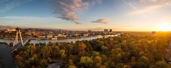 Poster Europe de l Est Autumn panorama of Bratislava, Slovakia capitol
