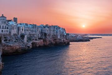 Tramonto a  Polignano a Mare Puglia Italia Notte