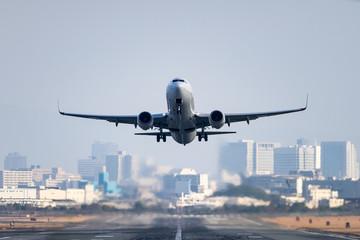 Boeing 737-800 taking off
