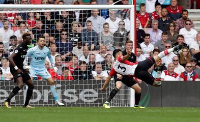 Premier League - Southampton vs Swansea City