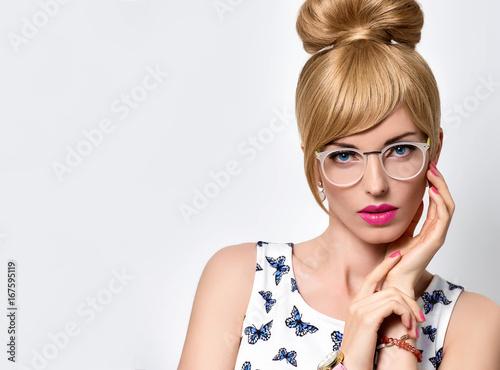 04c3aa68643 Fashion Portrait Beauty Sensual Blond Girl in Stylish glasses ...