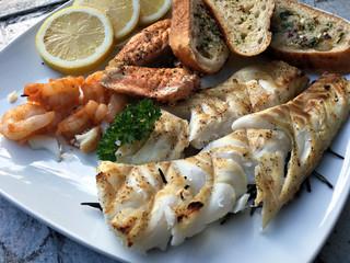 Organisch, Lifestyle, Kabeljau, Lachs, Filets, Grill, Bbq, Tischplatte, Garnelen, Brot, urbano