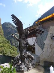 マチュピチュ村の像