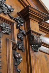 dettaglio legno intagliato