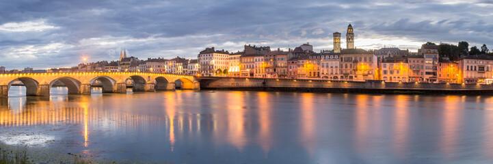 Fototapete - Lovely Riverside View of the City Macon, France