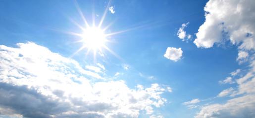 Sonne, Wolken und Himmel
