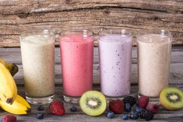 Photo sur Toile Lait, Milk-shake Milk shake with berries