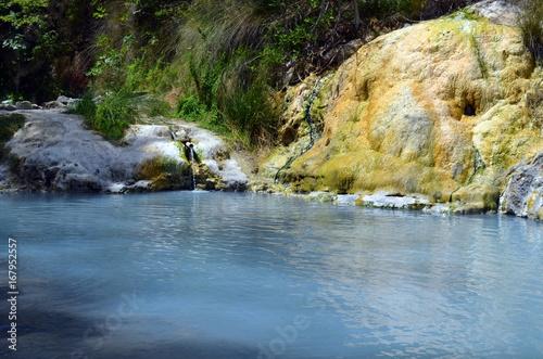 Le terme libere del fosso bianco a bagni san filippo