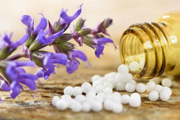 Naturmedizin, Homöopathie und alternative Medizin mit Globuli