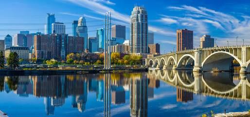 minneapolis skyline, 3rd avenue bridge, autumn Wall mural