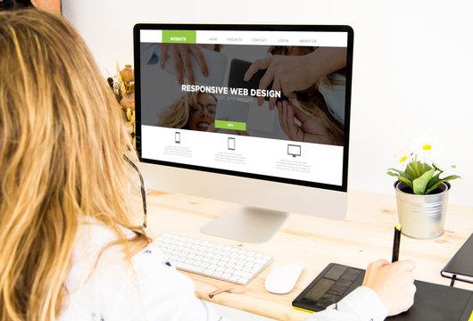 freelance girl designing cms website