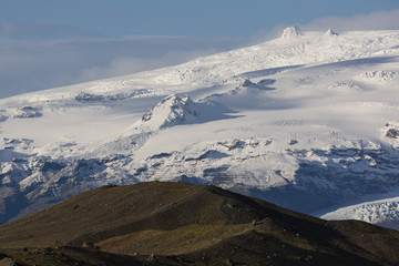 Stunning Vatnajokull glacier and mountains in Iceland