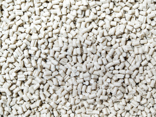 White grain of remelt plastic recycling pellets