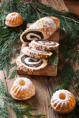 Christmas cakes poppy-seed cake
