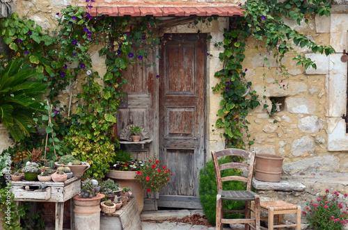 Hauseingang dekoration stockfotos und lizenzfreie bilder auf bild 168422367 - Dekoration hauseingang ...