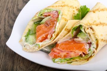 Salmon bread roll