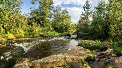 летний, пейзаж с бурлящим ручьем, Россия, Урал
