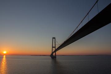 Öresundbrücke bei Sonnenaufgang