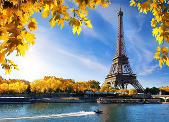 Fototapete - Seine and Eiffel Tower in autumn