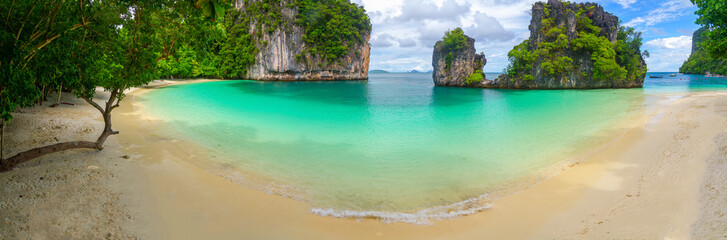 Obraz Panorama beach of koh hong island andaman sea in Krabi, Thailand. - fototapety do salonu
