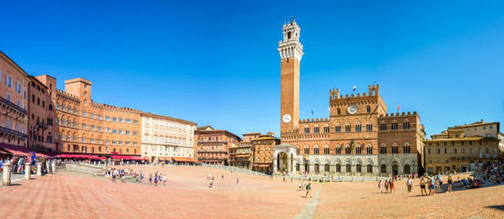Photo Blinds Tuscany Panorama of Piazza del Campo (Campo square), Palazzo Publico and Torre del Mangia (Mangia tower) in Siena, Tuscany, Italy