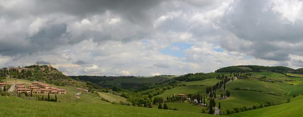 Monticchiello Toskana Mit Der Zypressenstrasse
