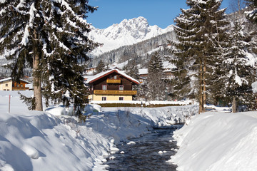 Fototapete - Beautiful winter scenery in Austrian alps