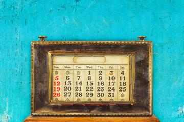 Vintage desktop calendar