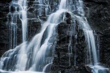 Wasserfall in den Bergen Österreich