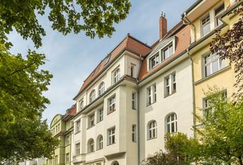 Obraz altbau wohnungen wie in  berlin köln münchen - fototapety do salonu