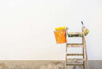 Haus Renovierung Fassade Wand Neu Anstreichen