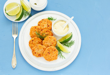 Cutlets with salmon and tartar sauce