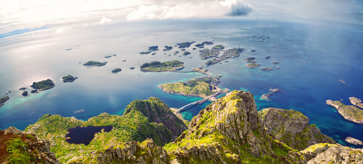 Fotomurales - Panoramic mountain view of fishing village Henningsvaer, Lofoten, Norway