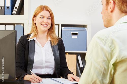 bewerbung f r job bei vorstellungsgespr ch stockfotos und lizenzfreie bilder auf. Black Bedroom Furniture Sets. Home Design Ideas