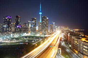 Tuinposter Toronto Toronto at night