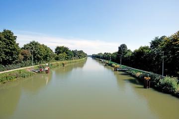 Der Datteln-Hamm-Kanal in Richtung Kraftwerk Hamm-Uentrop Vom Schulwegsteg in Werries aufgenommen