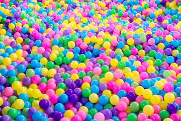 Seamless multi color plastic balls