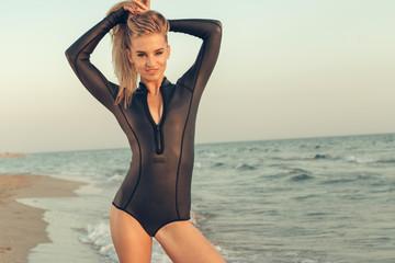 sexy surf girl
