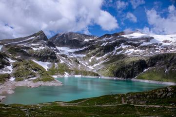 Türkiser Bergsee