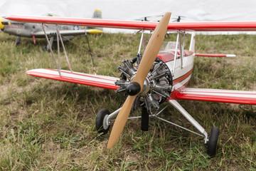Modellflugzeug Doppeldecker