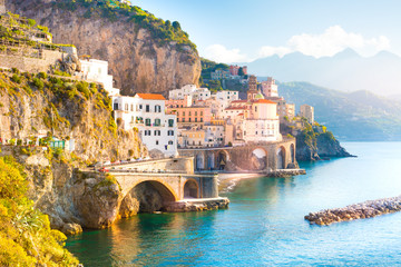 Stores à enrouleur Cote Morning view of Amalfi cityscape on coast line of mediterranean sea, Italy