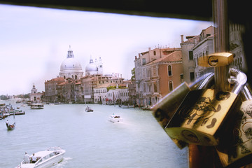 Venice Locks Overlay