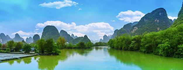 Zelfklevend Fotobehang Guilin Guilin Yangshuo beautiful natural scenery