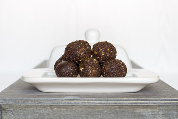 Irresistible healthy Energy Balls with Cashews