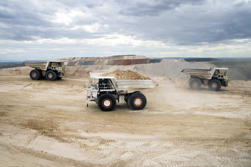 Mining Rigid Dump Trucks