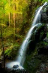 Wasserfall im Wald Natur Wasser Romantisch