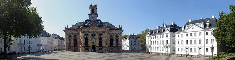 Ludwigsplatz mit Ludwigskirche in Saarbrücken