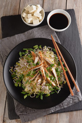 Noodles with grilled chicken