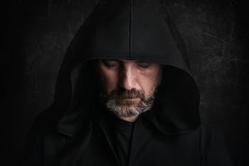 Obraz hombre misterioso en halloween - fototapety do salonu